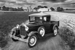 old-car-and-farm-grayscale4