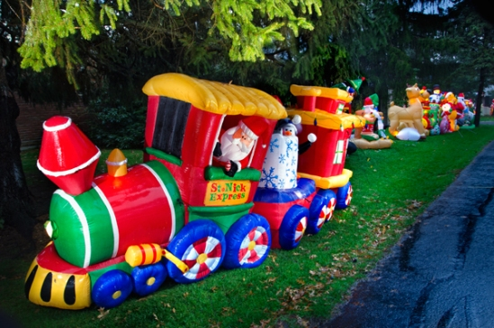 inflatable-holiday-decor