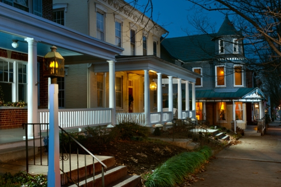 lititz-homes-columns