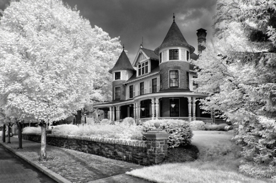 infrared-strasburg-mansion2