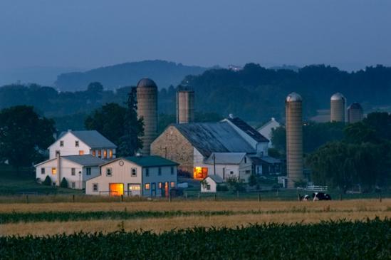 farm-light-at-dusk