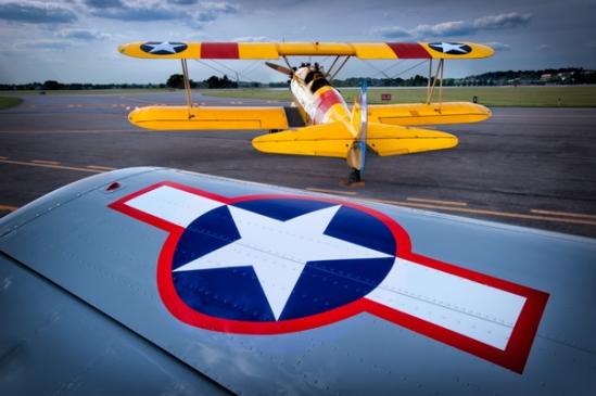 airshow-biplane