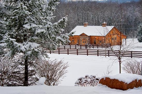snowy-barn-on-seglock