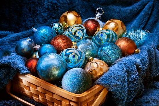 blue-christmas-ornaments