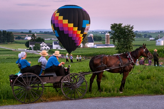 amish-watching-balloons
