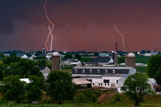 lightning-near-leola