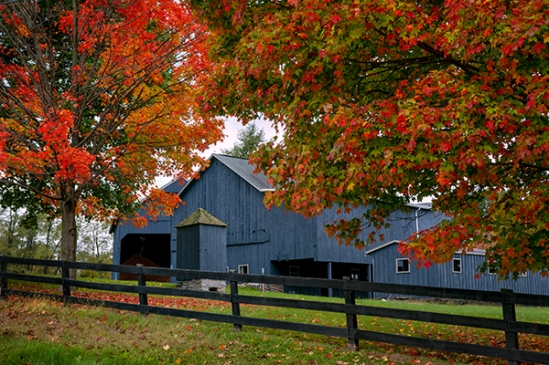 blue-fall-barn
