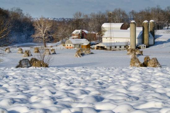 akron-rd-wavy-snow