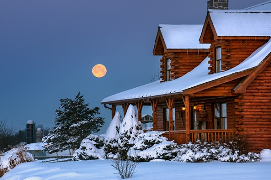 log-cabin-full-moon