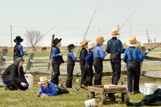 amish-fishing-hole