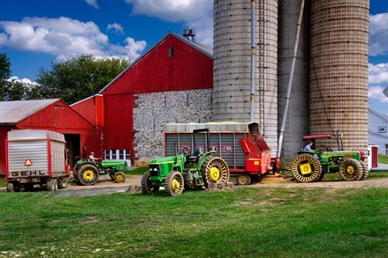 farmersville-tractor-trio