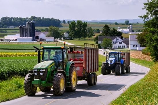 intercourse-tractor-harvest