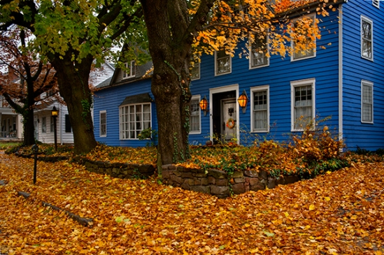ephrata-blue-house-fall