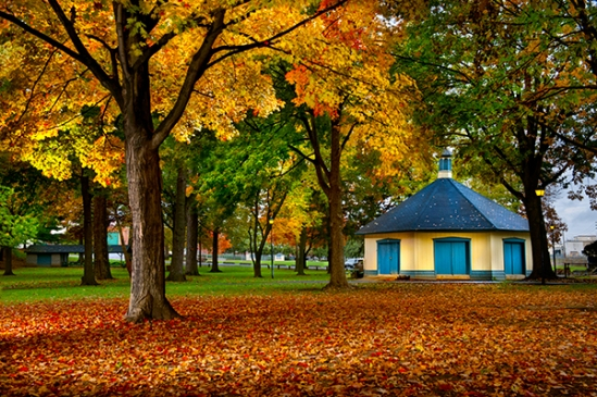 lititz-park-fall-building