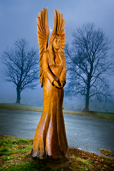 angel-carving-in-fog