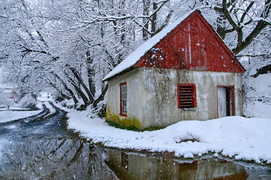 lititz-snowy-shack