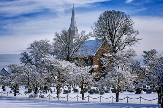 terre-hill-snowy-church