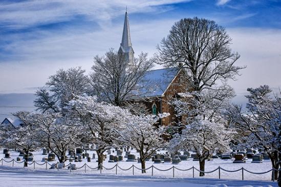 terre-hill-snowy-church