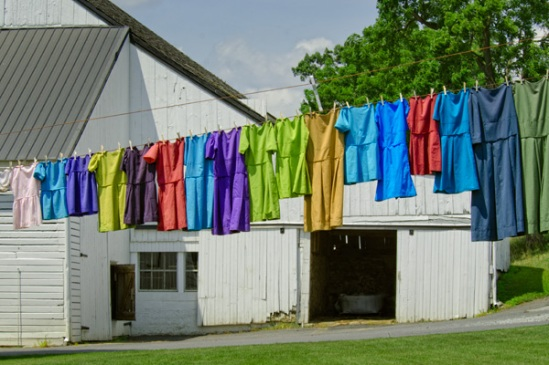 amish-rainbow-washline